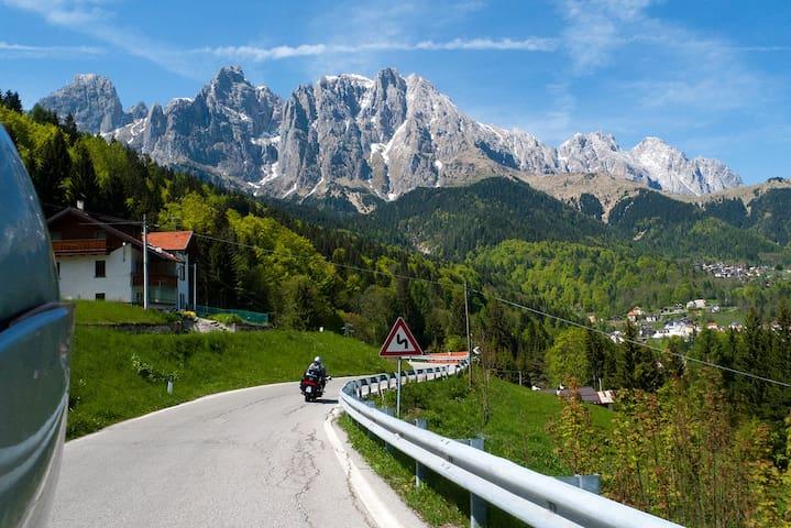 Casa immersa nelle Dolomiti UNESCO