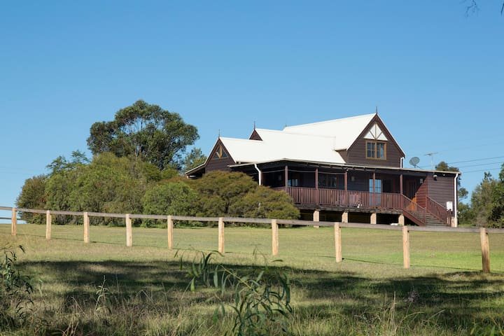 Ballaview - Enjoy the Country Life