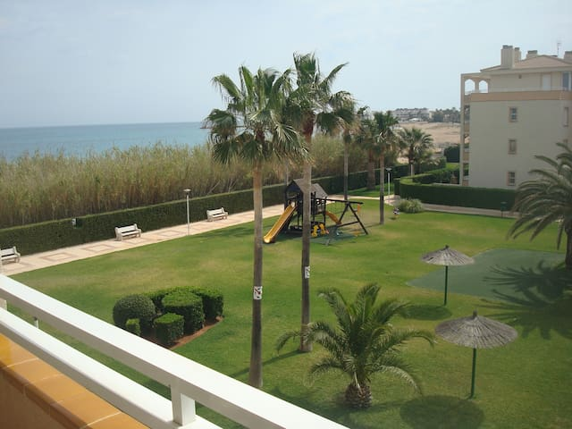 Beachfront apartment - Dénia - Pis