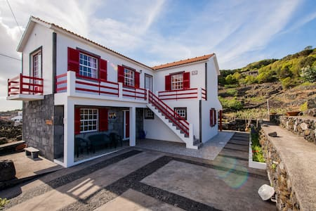 Adega Pedra do Lagar casa de férias - Lajes Do Pico - House