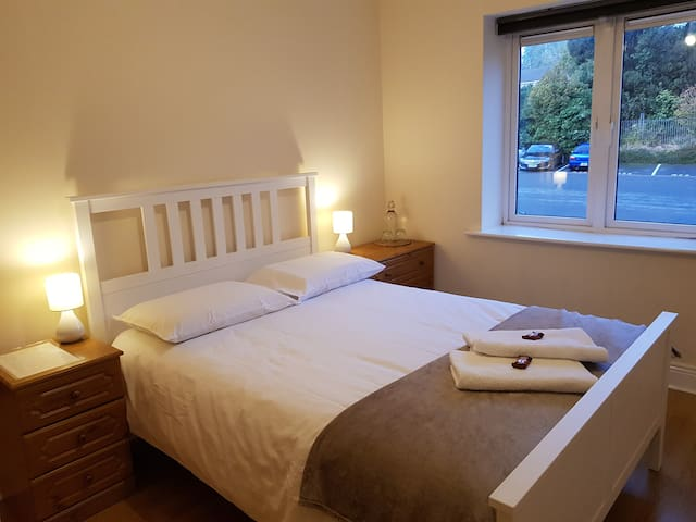 Feel at Home in a Private Double Bedroom!!
