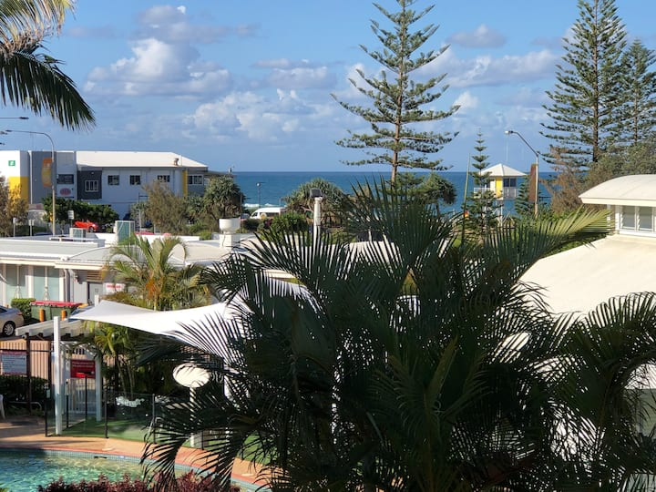 Alexandra Beach Resort directly opposite the beach