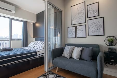 Modern 1BR w/ FREE Rooftop Pool,gym,WiFi @Mtro MNL