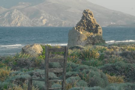 Aktìs Alòs, seaside Skiros Molos