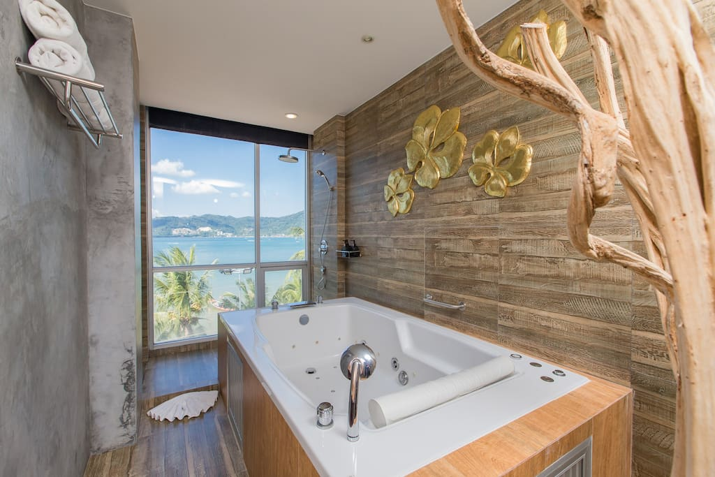 F Studio TRIPLE with FULL SEA VIEW JACUZZI :)