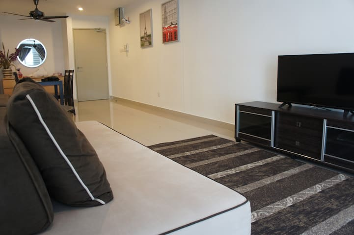 Cosy Suite with LRT and Shopping Mall connectivity - Petaling Jaya - Vierassviitti