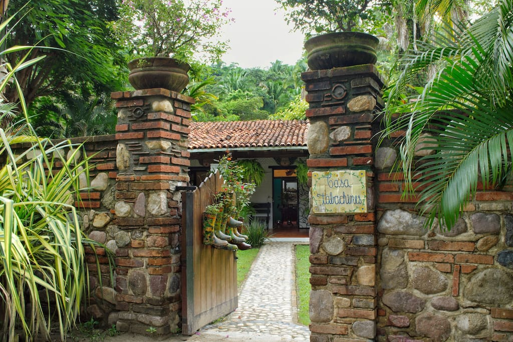 Main entrance // Hacienda Tabachines.