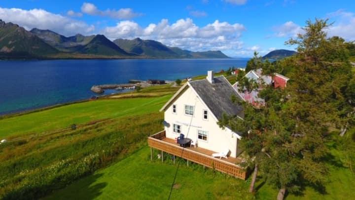 Vesterålen- idyllic house in calm area