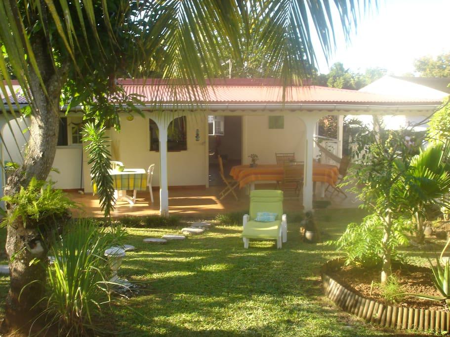 charmante villa avec jardin zen villas louer petit