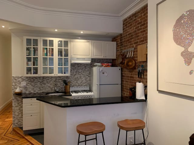 Beautiful Artists One-Bed in Hip Williamsburg!