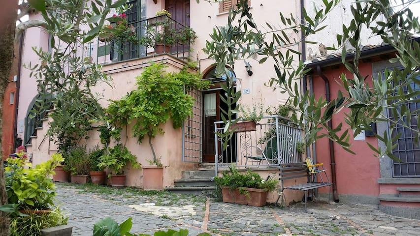 Casa vacanza in borgo medioevale - Celleno (Viterbo) - Hus
