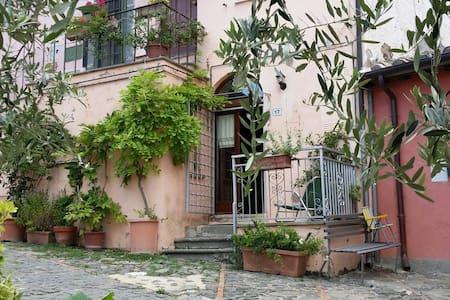 Casa vacanza in borgo medioevale - Celleno (Viterbo)