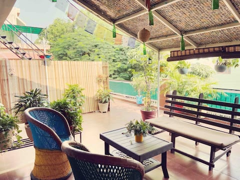 No.6-Spacious unit w/kitchen & cute Terrace garden