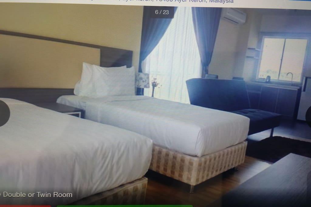 Deluxe twins room