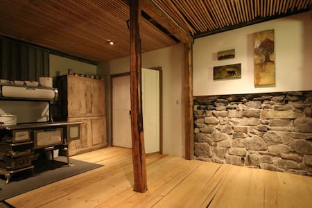 The BarnLoft - a four season restored country barn - Stone Mills