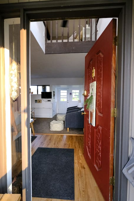 Welcome to our tiny and cozy downtown townhome!