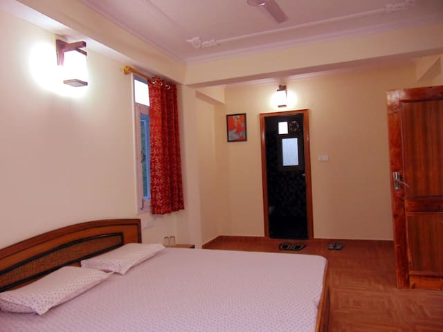 Aamantran Stays- Valley view rooms 2 - Shoghi