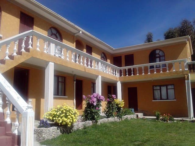 Hostal del Sol | Comunidad Yumani | Isla del Sol - Santa Cruz de la Sierra - Inap sarapan