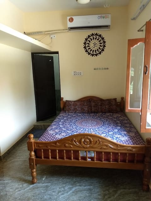 New Luxury House 1 Near Ramana with AC & WIFI