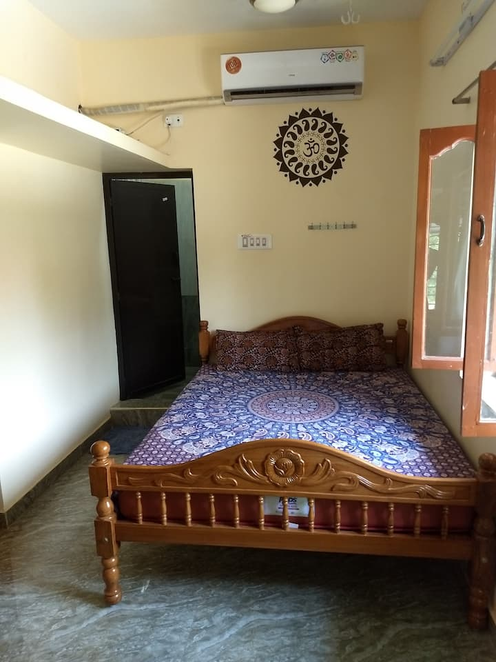 New Luxury House 1 Near Ramana with AC & WIFI