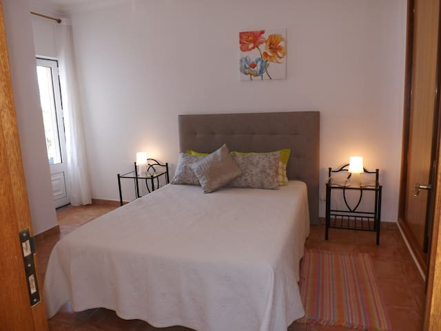 Sunny Apartment beach and golf nearby, Albufeira