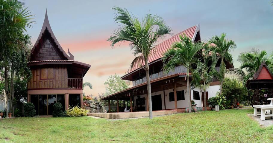 Xanadu Pool Villa @ Phala