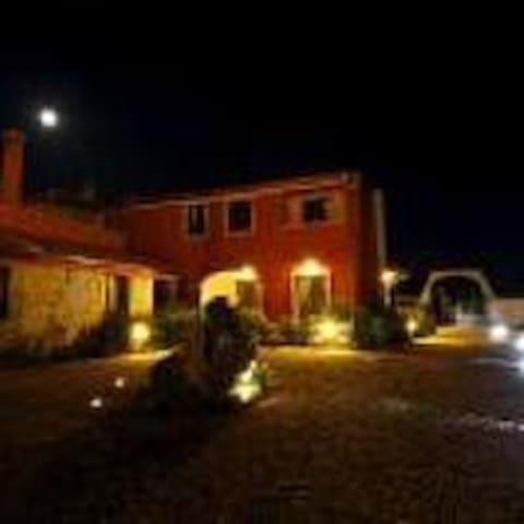 residenza gialla - Villa San Pietro