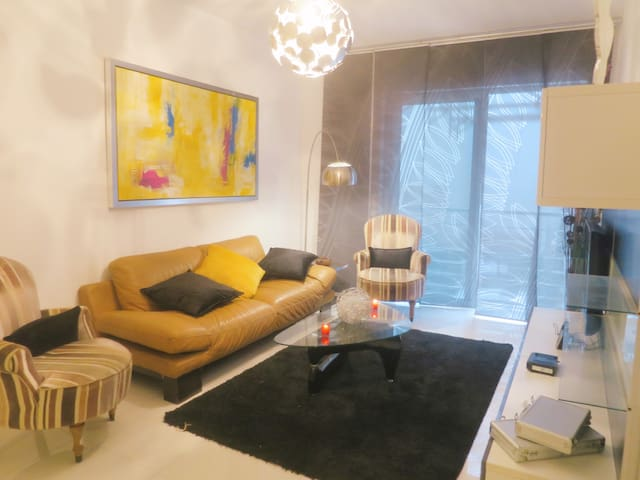 Central Modern Luxury 3 bedrooms with Court Yard