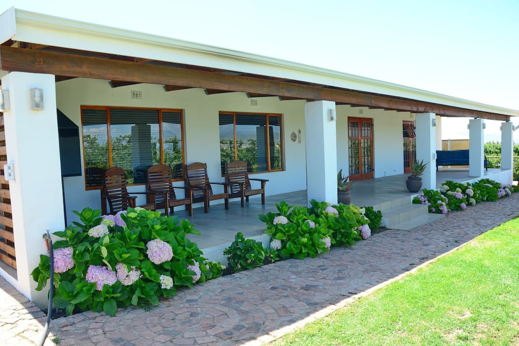 bestuis cottage h user zur miete in cape winelands westkap s dafrika. Black Bedroom Furniture Sets. Home Design Ideas