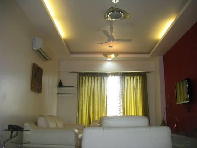 Luxurious Spacious Rooms - Mumbai