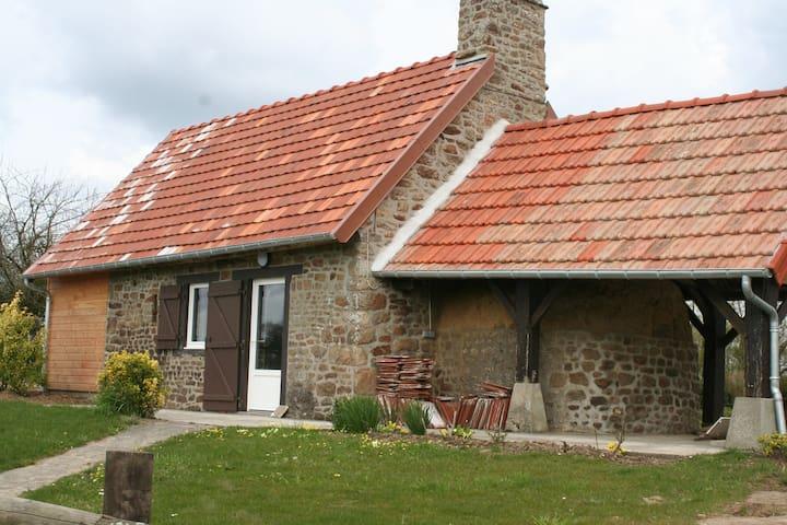 Petite maison de campagne - Saint-Martin-des-Champs - Hus