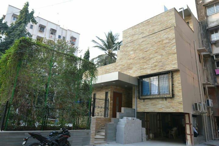 Triple Occupancy Room in Malad West - Mumbai - Casa
