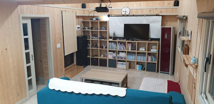 Guesthouse for tourist looking for spacious rooms.