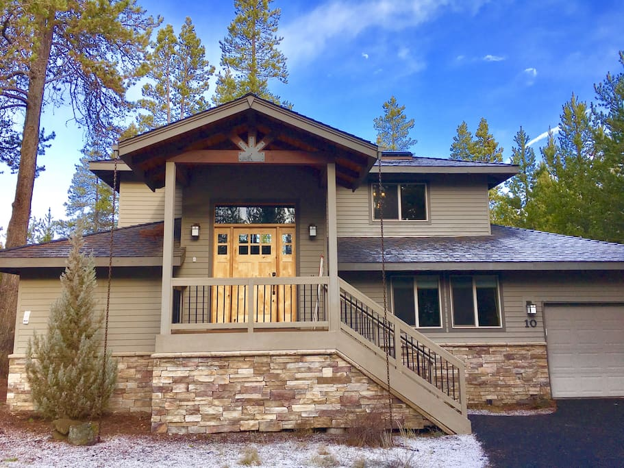 rustic luxury at chalet sarlat sunriver oregon houses for rent in sunriver oregon united states