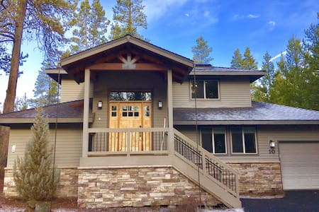Rustic Luxury at Chalet Sarlat, Sunriver Oregon - Sunriver
