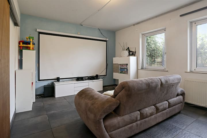 Spacious house in the middle of Brabant,