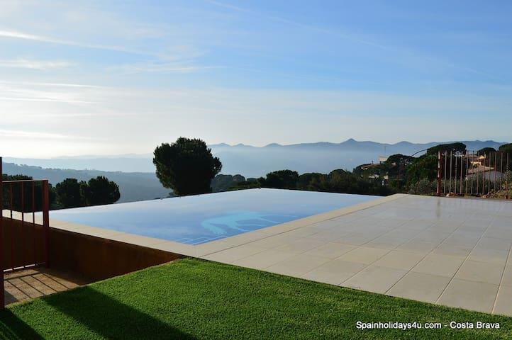 Villa Brisa (7 personen) 8,0 km vanaf het strand - Santa Cristina d'Aro - Villa