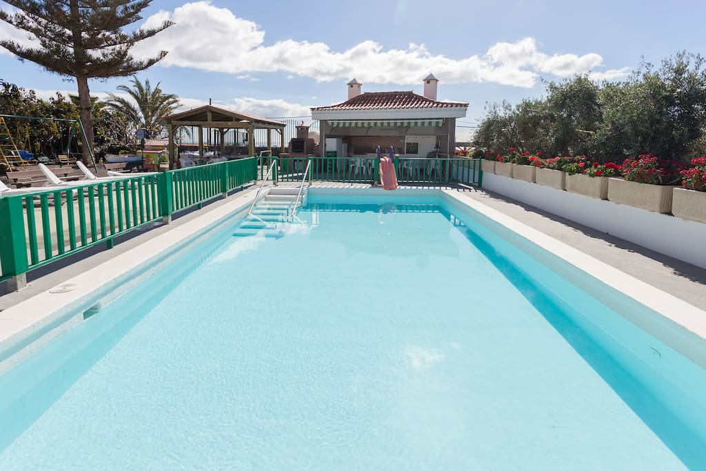 Swimming pool, protect for the children