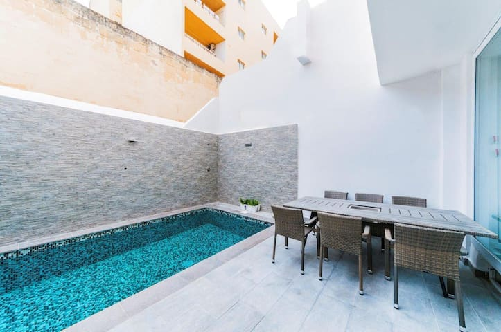 New apartment with private pool - Tas-Sliema - Huis