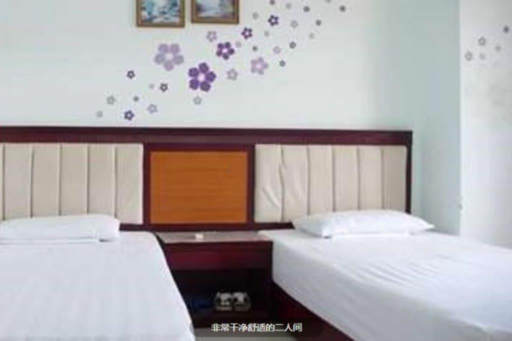 二张1.2米舒适单人床