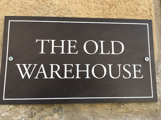 The Old Warehouse - unique, newly renovated gem