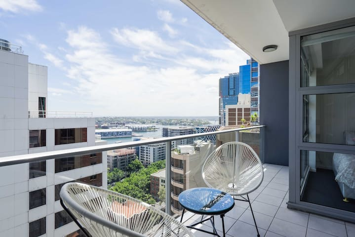 Bright Sunny Water Views CBD Two Bedroom