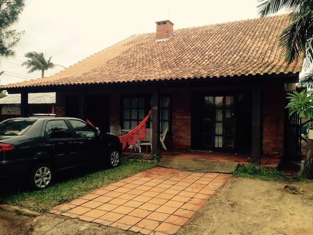 Casa Praia Real a 12 km de Torres