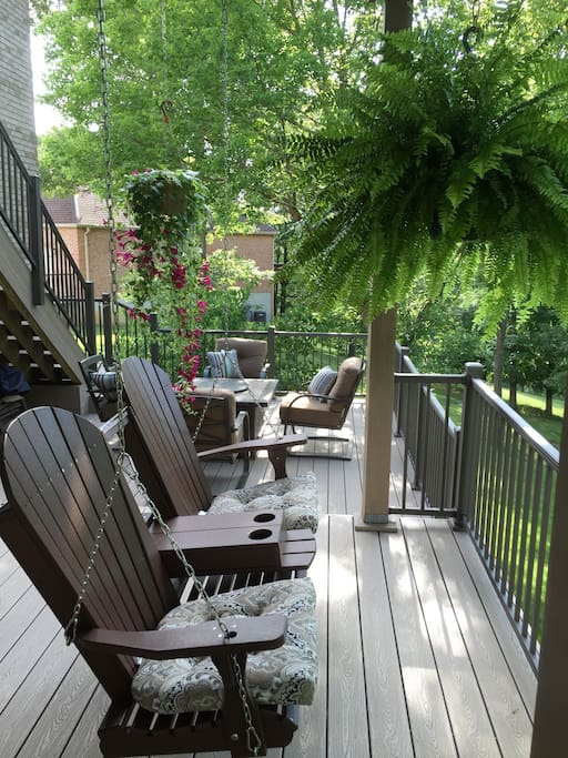 Relax on our deck with beautiful views and singing birds.
