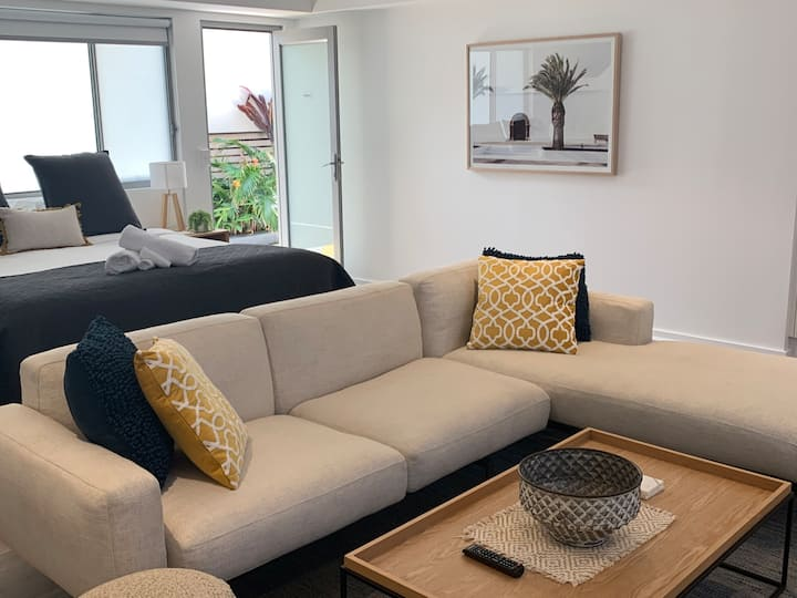 Aloha studio apartment in top rating property