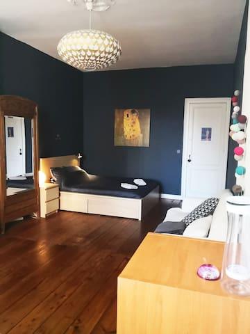 Chambre spacieuse 22m² Chartrons/Centre Ville