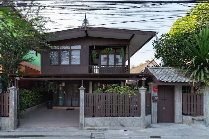 Thai Style Wooden House,Pool villar, Old Town