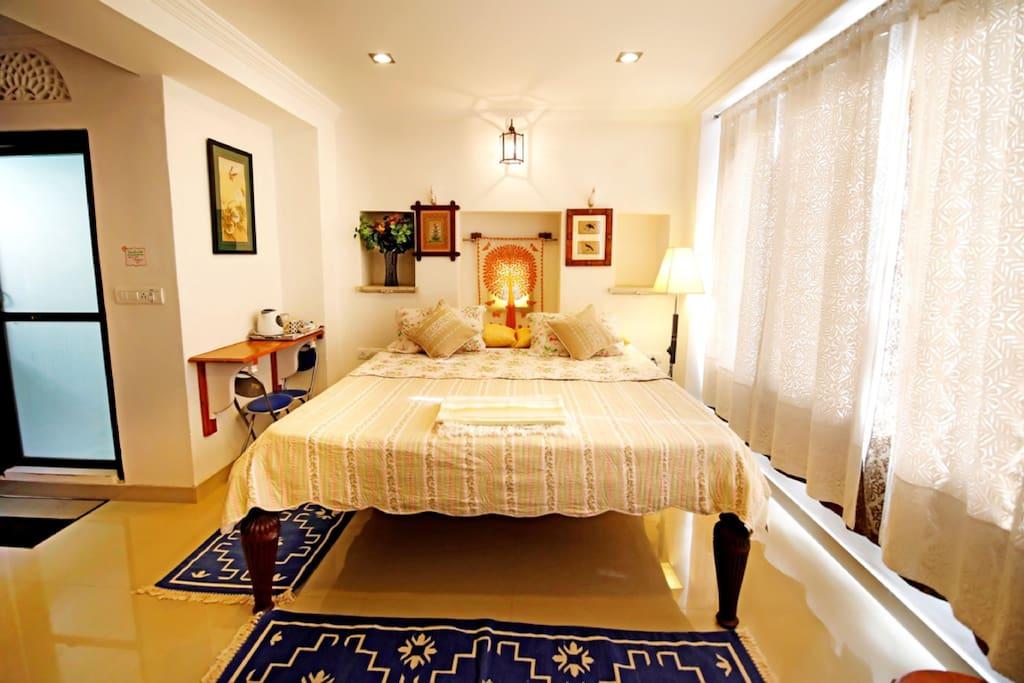 Comfortable master bed, guaranteed !