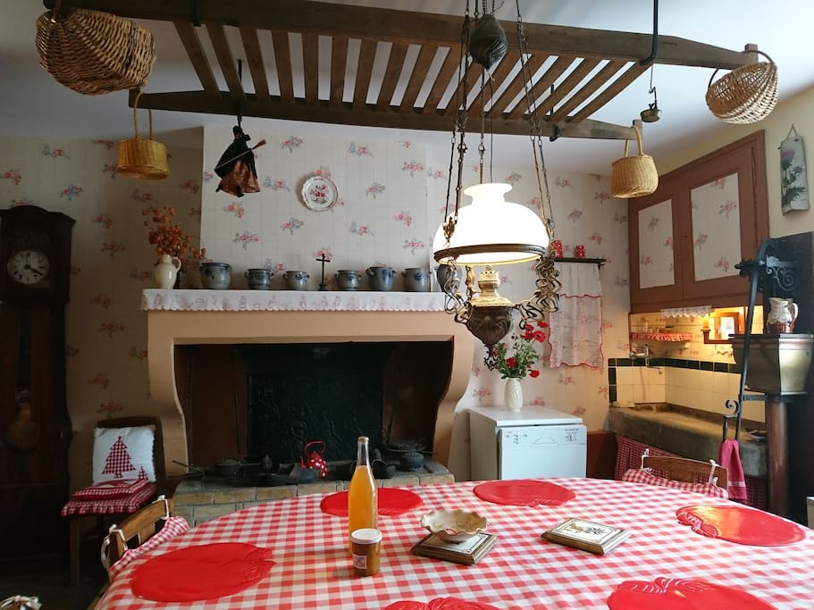Cuisine authentique avec cheminée