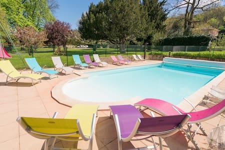 Chambre confort B&B près de lyon - Fleurieu-sur-Saône